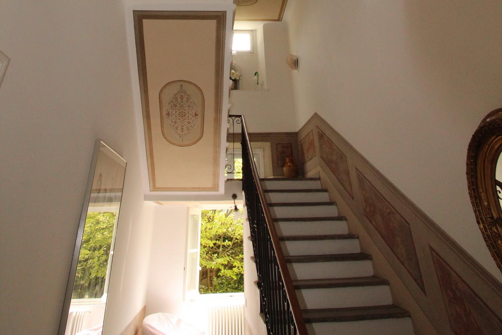 luganer see: villa zu verkaufen: patrizia-stil in seenähe - top, Badezimmer ideen